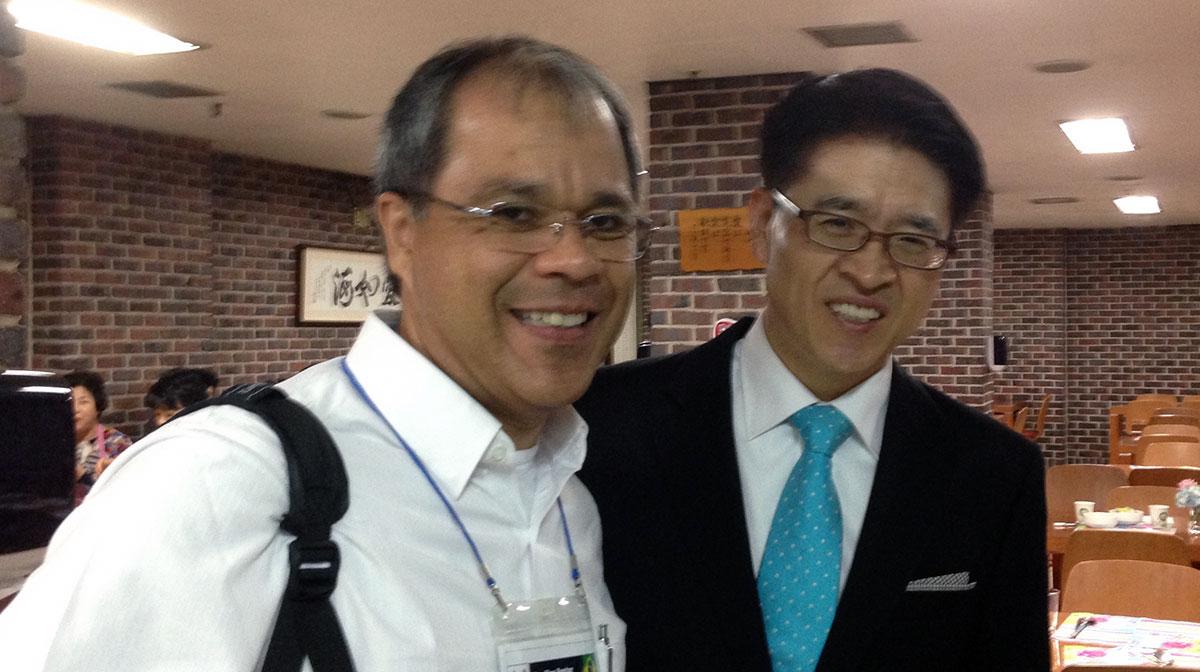 Eu e o Rev. San Sob Yoo